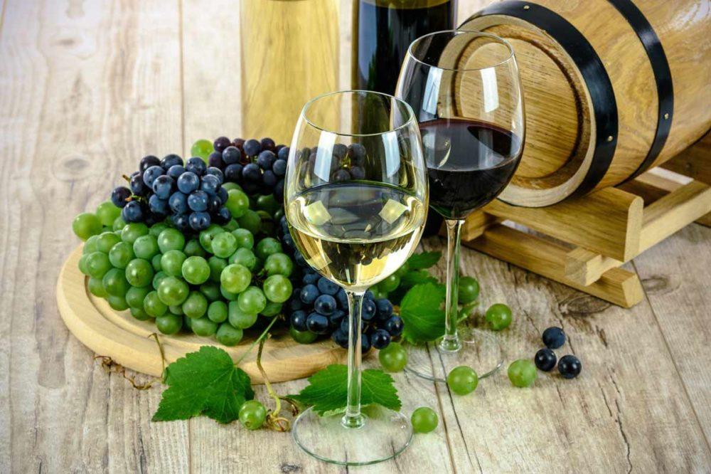 Vins blanc vin rouge et vigne
