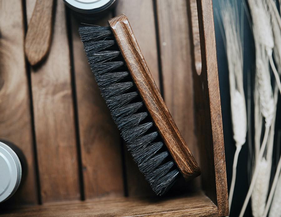 Brosse à poils dur